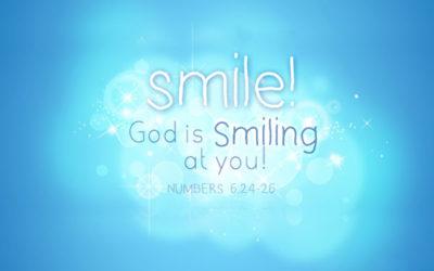 應當仰望神因祂用笑臉幫助我